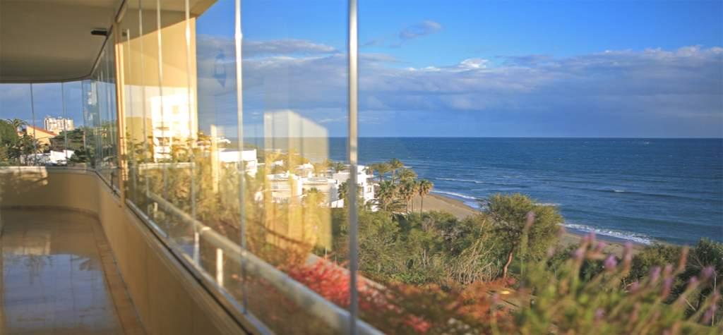 Cristaleria Madrid Barandillas de cristal para balcon en madrid